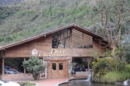 Exterior view of Dos Chorreras Restaurant.