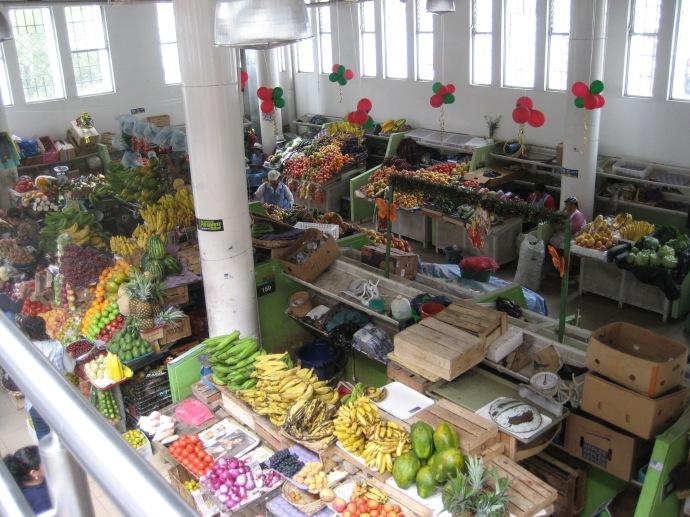 Fruits for sale at the 9 de Octobre Market.