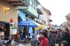 Crowds enjoy neighborhood displays