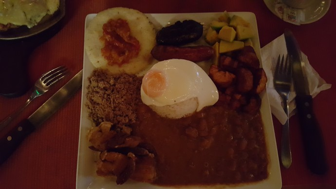 traditional dinner in Colombia